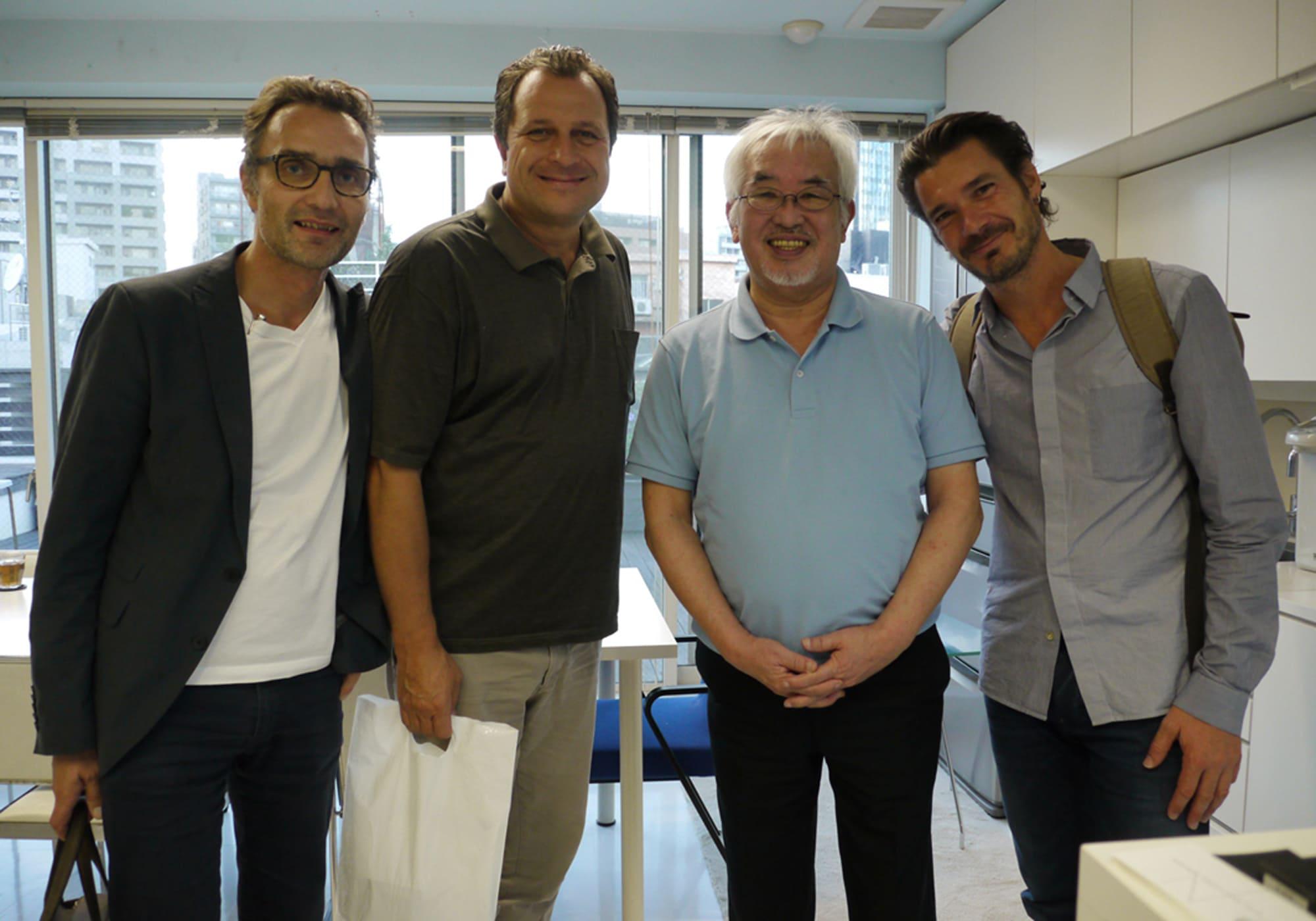 2014年に初来日した際に内田繁を訪ねたアトリエ・オイの3人。西麻布にあった、当時の内田デザイン研究所にて。