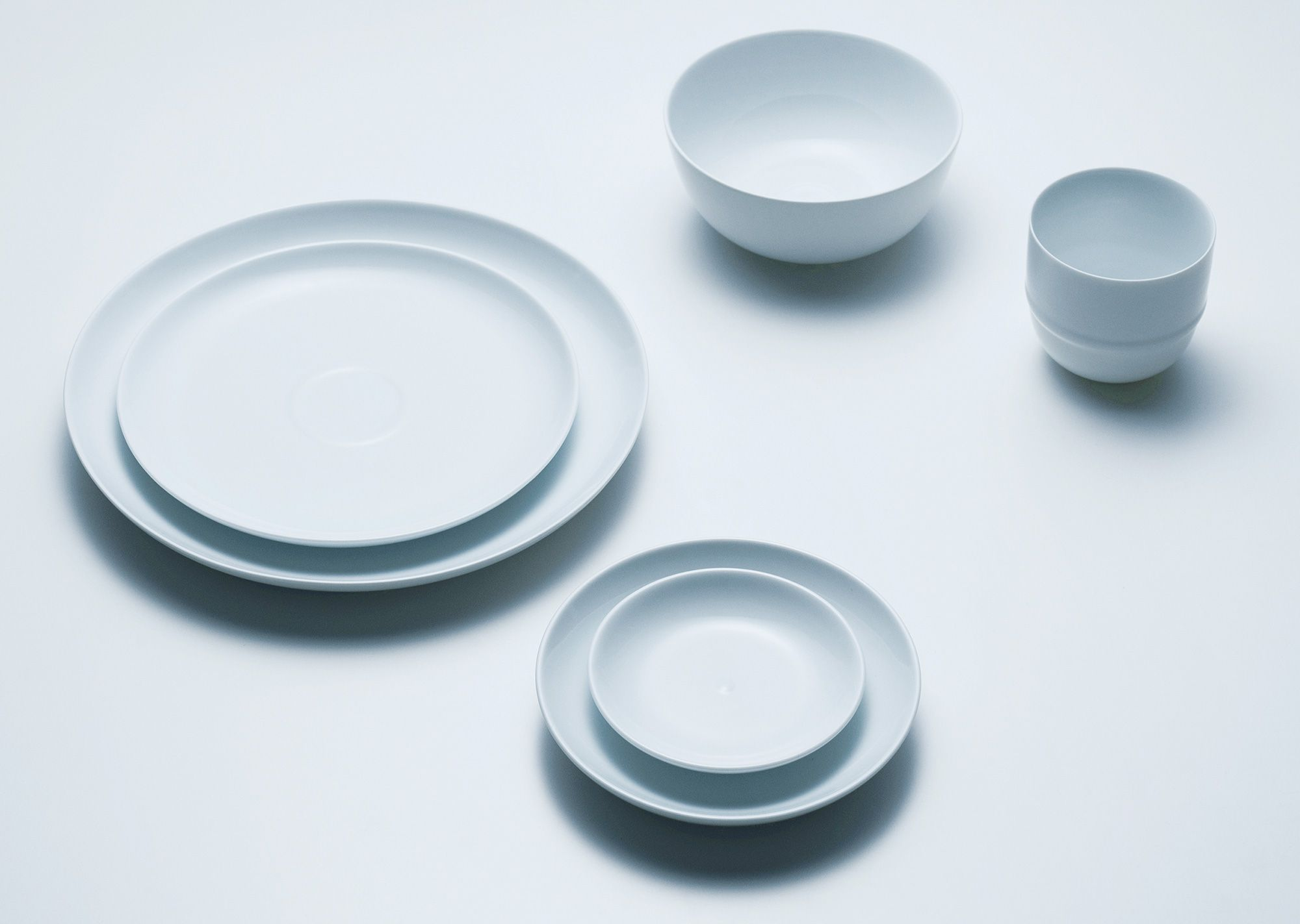 Plates (3 sizes starting from 145mm): \1,836, Cup: \1,404