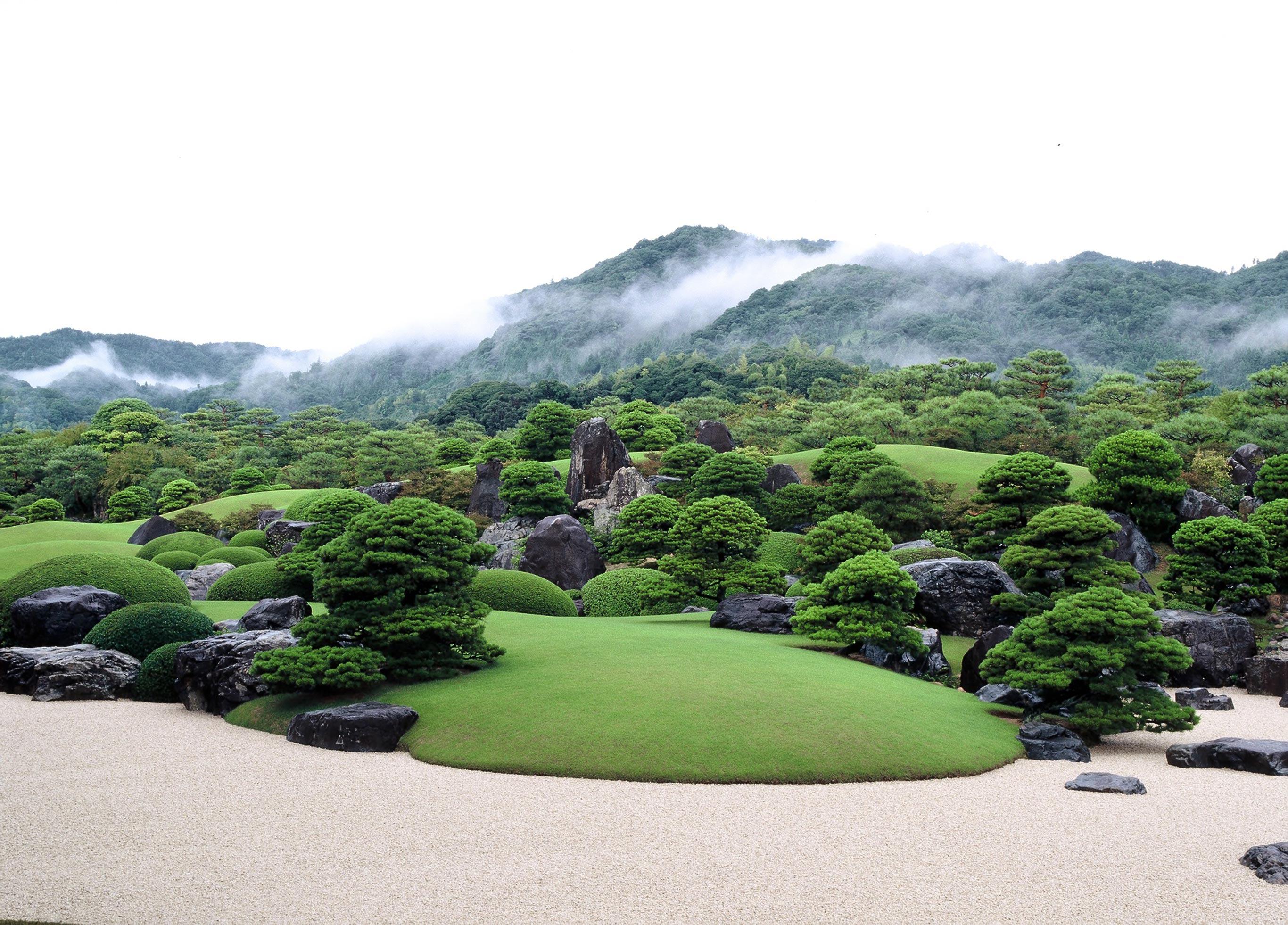 自橫山大觀的作品發想而來的白砂青松庭。另有枯山水庭等總計6個庭園