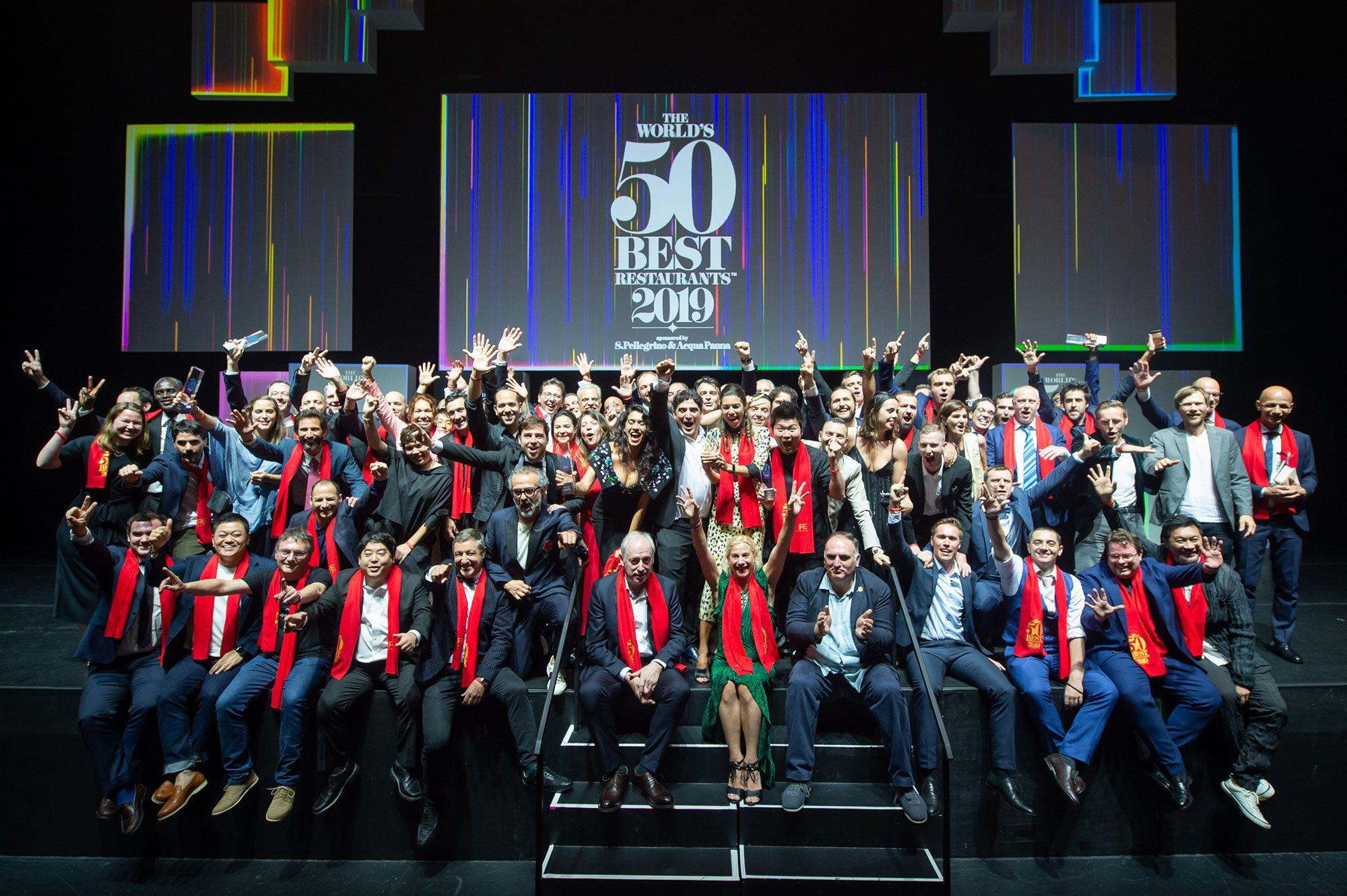 2019年「世界最佳50餐廳」的獲獎者齊集合影。