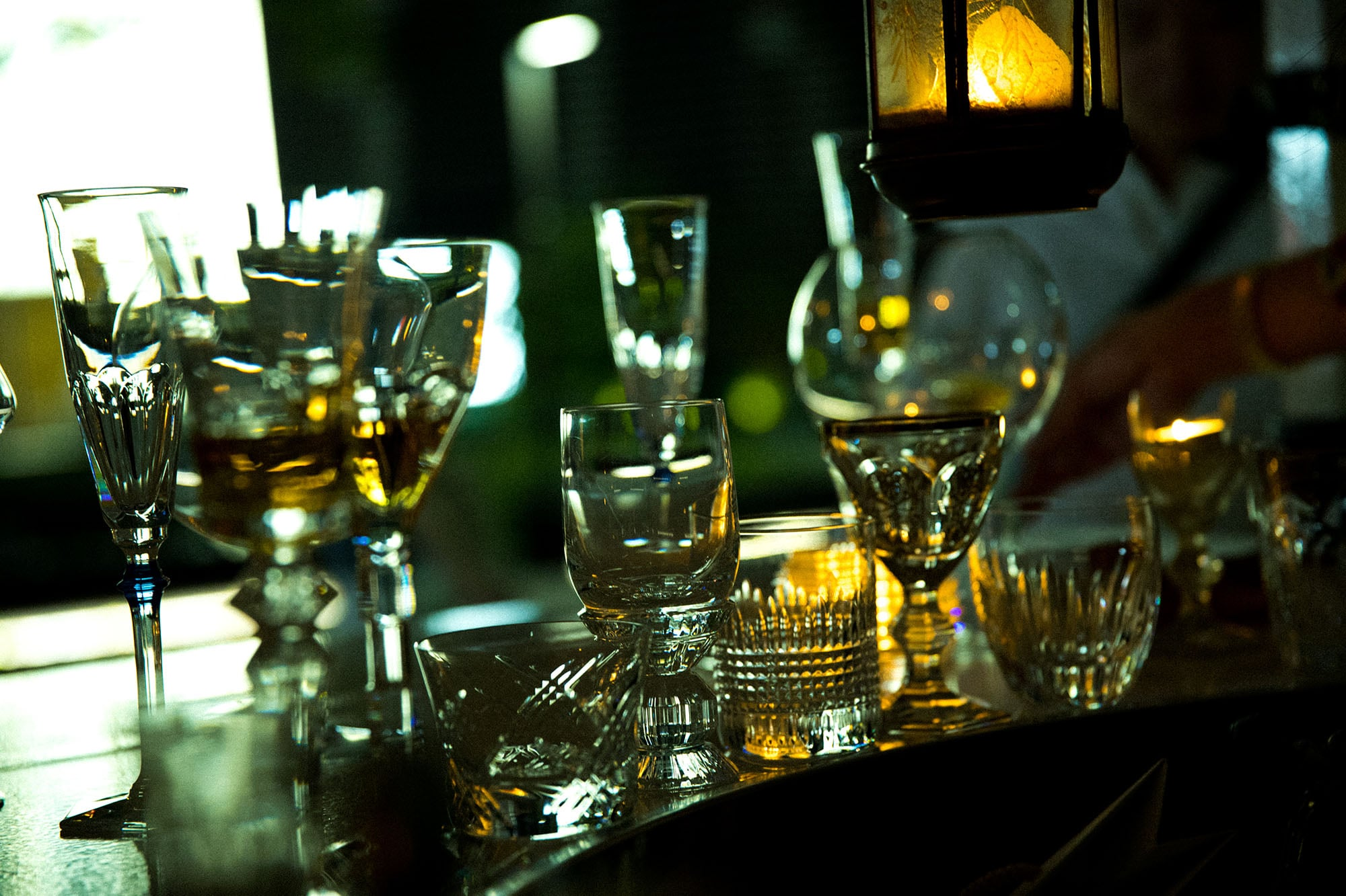 グラスはバカラ製。その人にふさわしいものを選んで出してくれる。