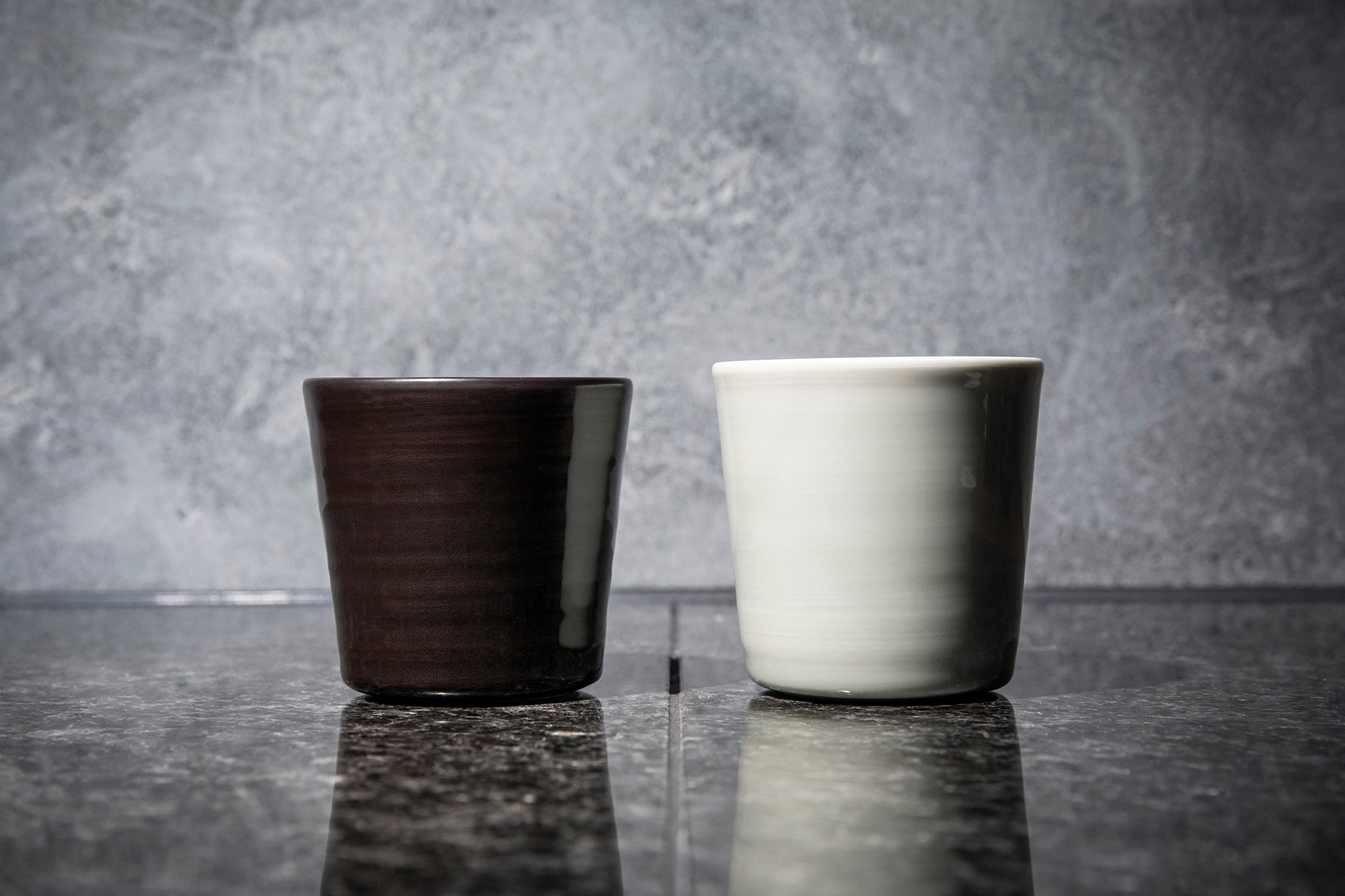 The porcelain cup is a collaboration work by Ingegerd Raman and Koransha from Arita.