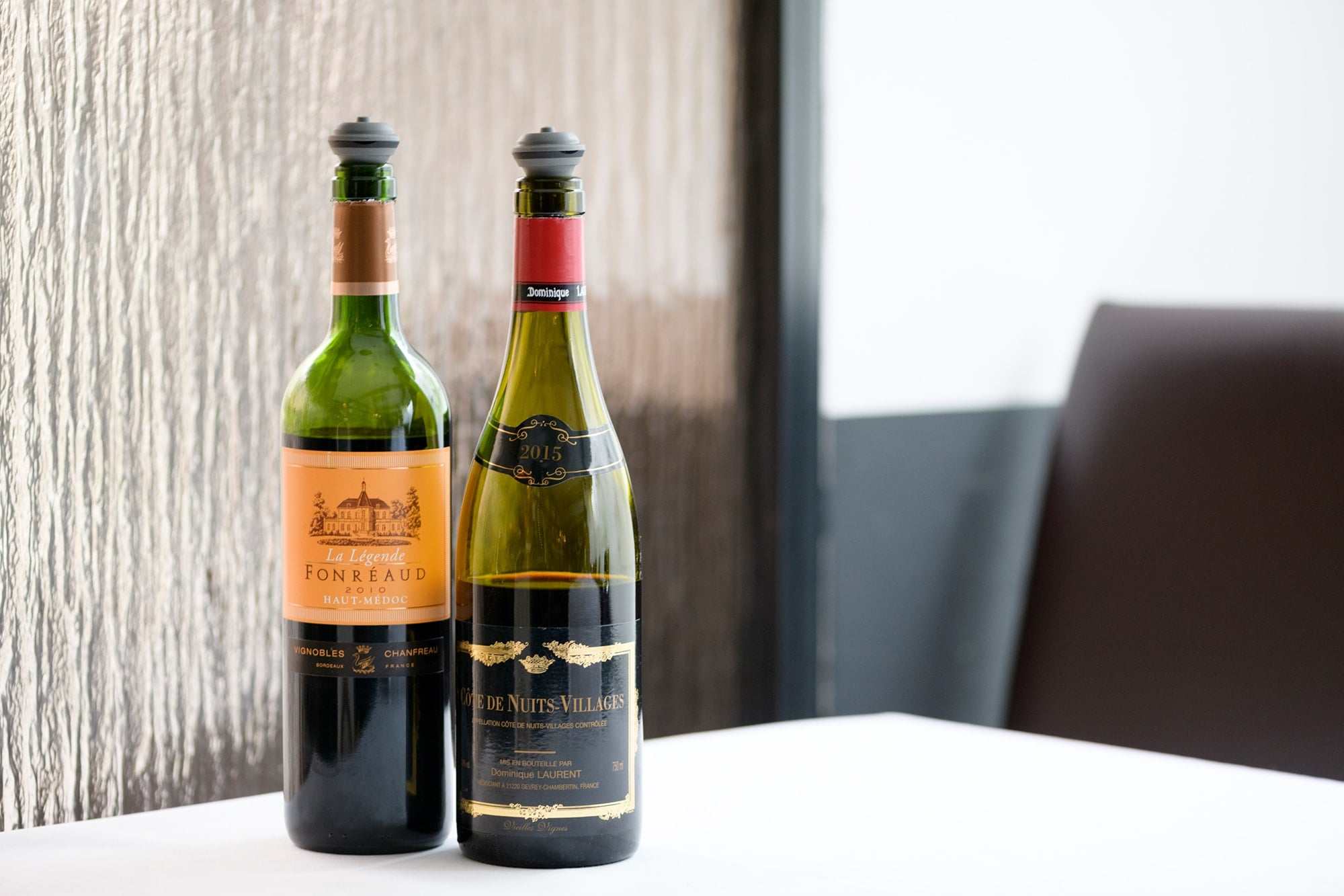 The restaurant offers numerous options of wine by the glass. The wines are mainly from France and selected by the sommelier.