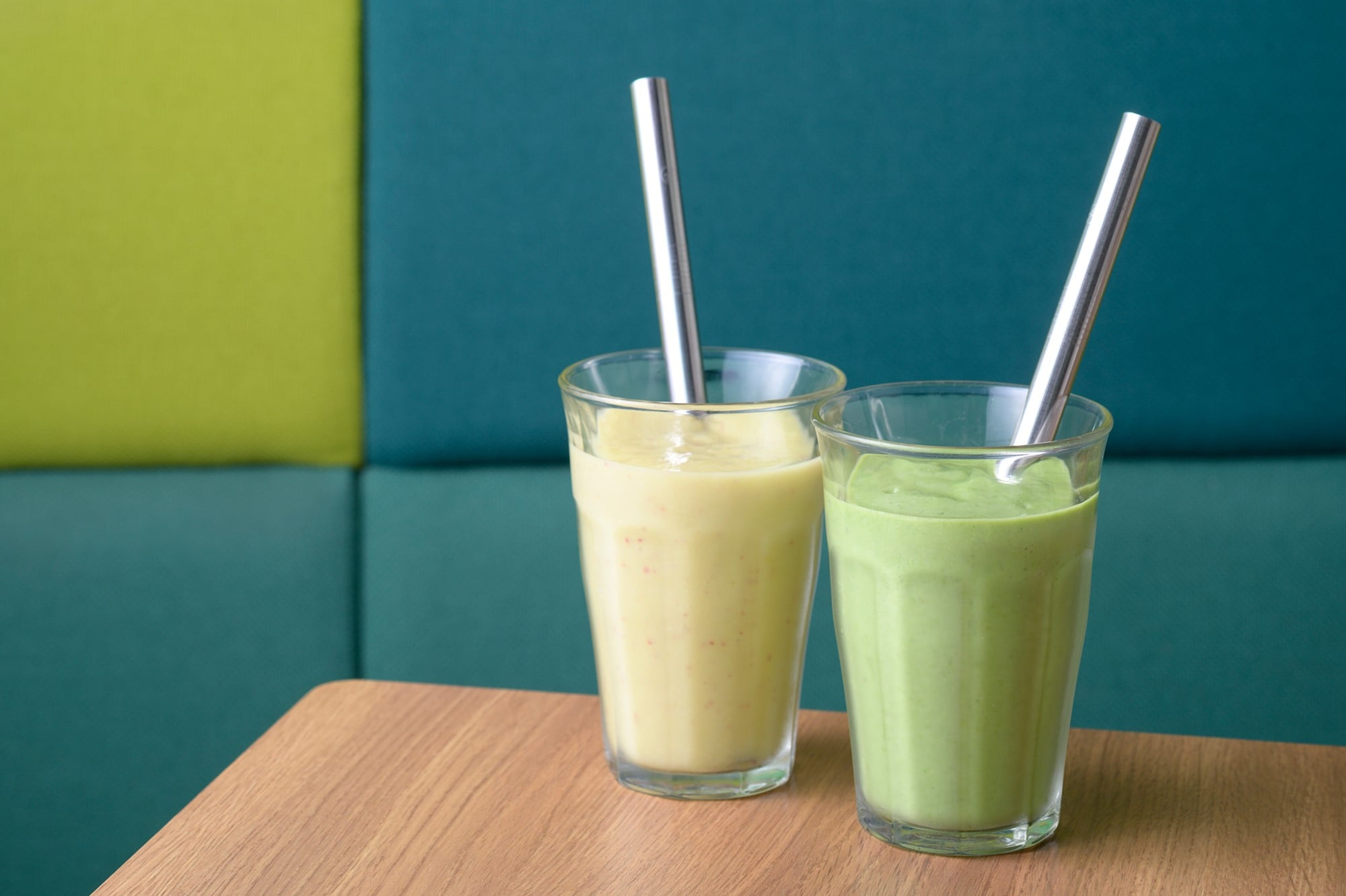 The Beauty Fiber Smoothie is made of ginger and avocado and the Green Power Smoothie is made of spinach and komatsuna (Japanese mustard spinach).
