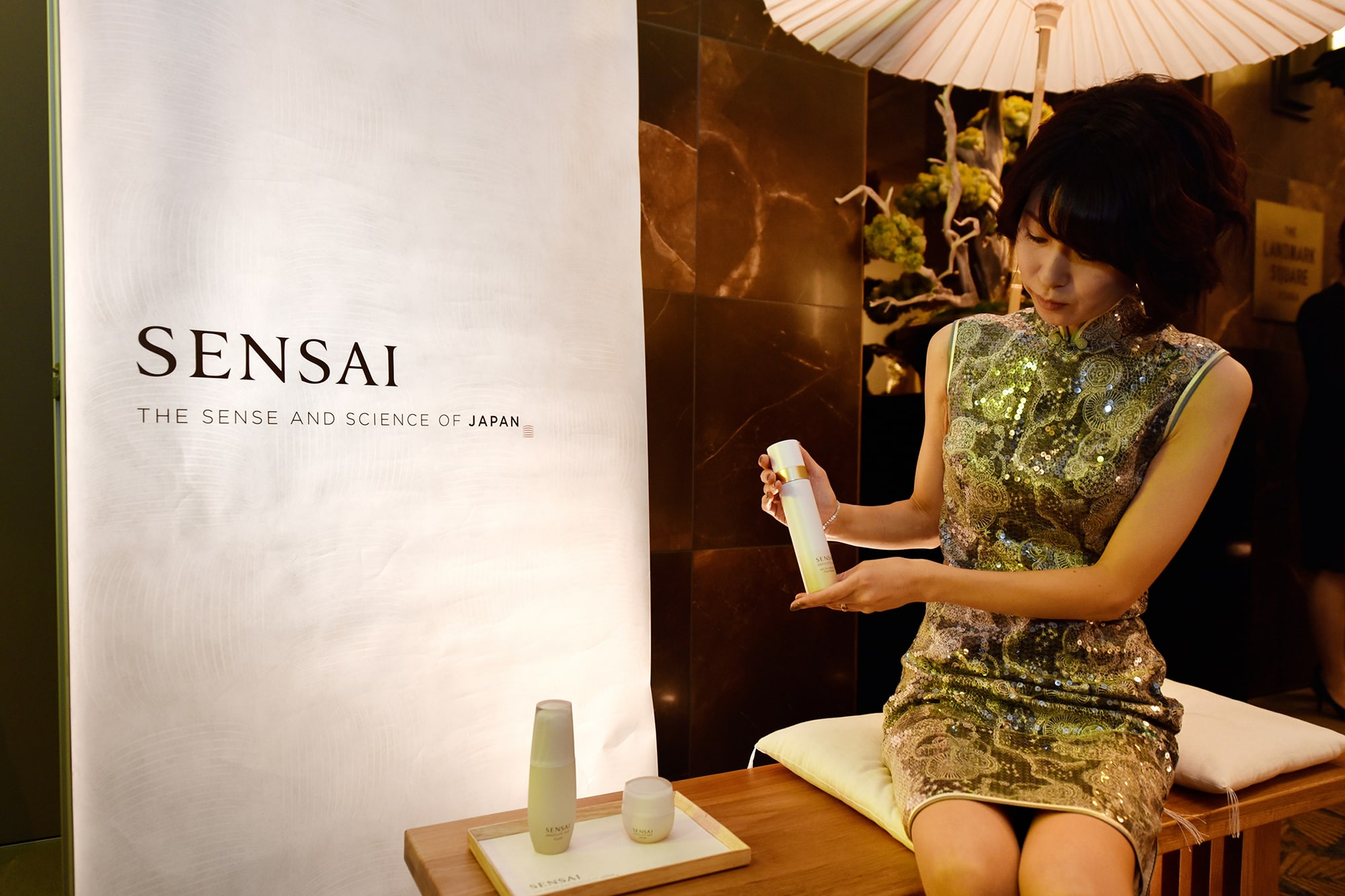 Guests from overseas also visited the SENSAI booth to experience the AS Series.