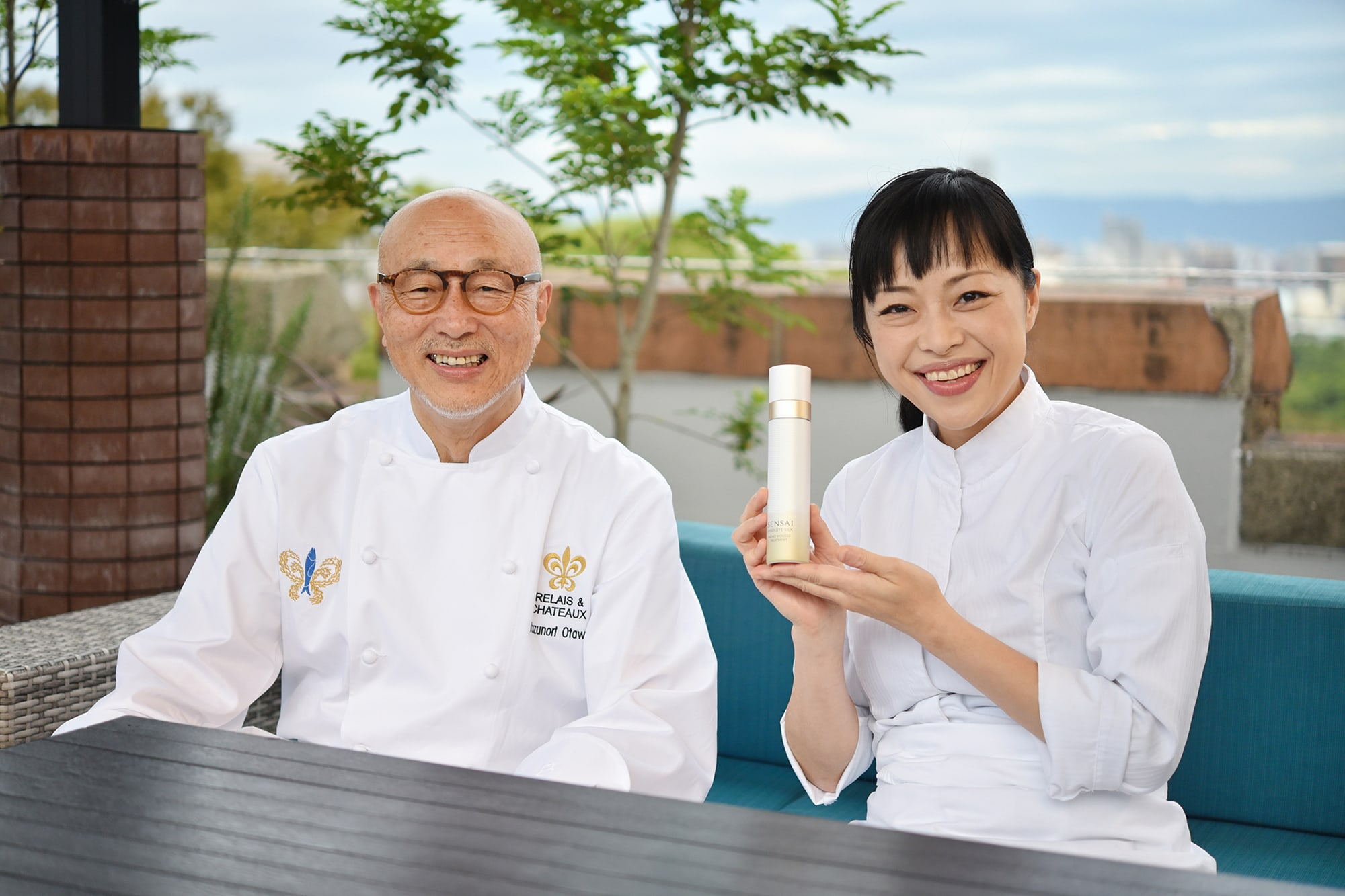 Kazuki Otowa and Asuka Otowa from the Otowa Restaurant. The restaurant is a member of the Relais & Châteaux. The two have created the Oeuf a la Neige SENSAI specially for the Grand Gala Dinner.