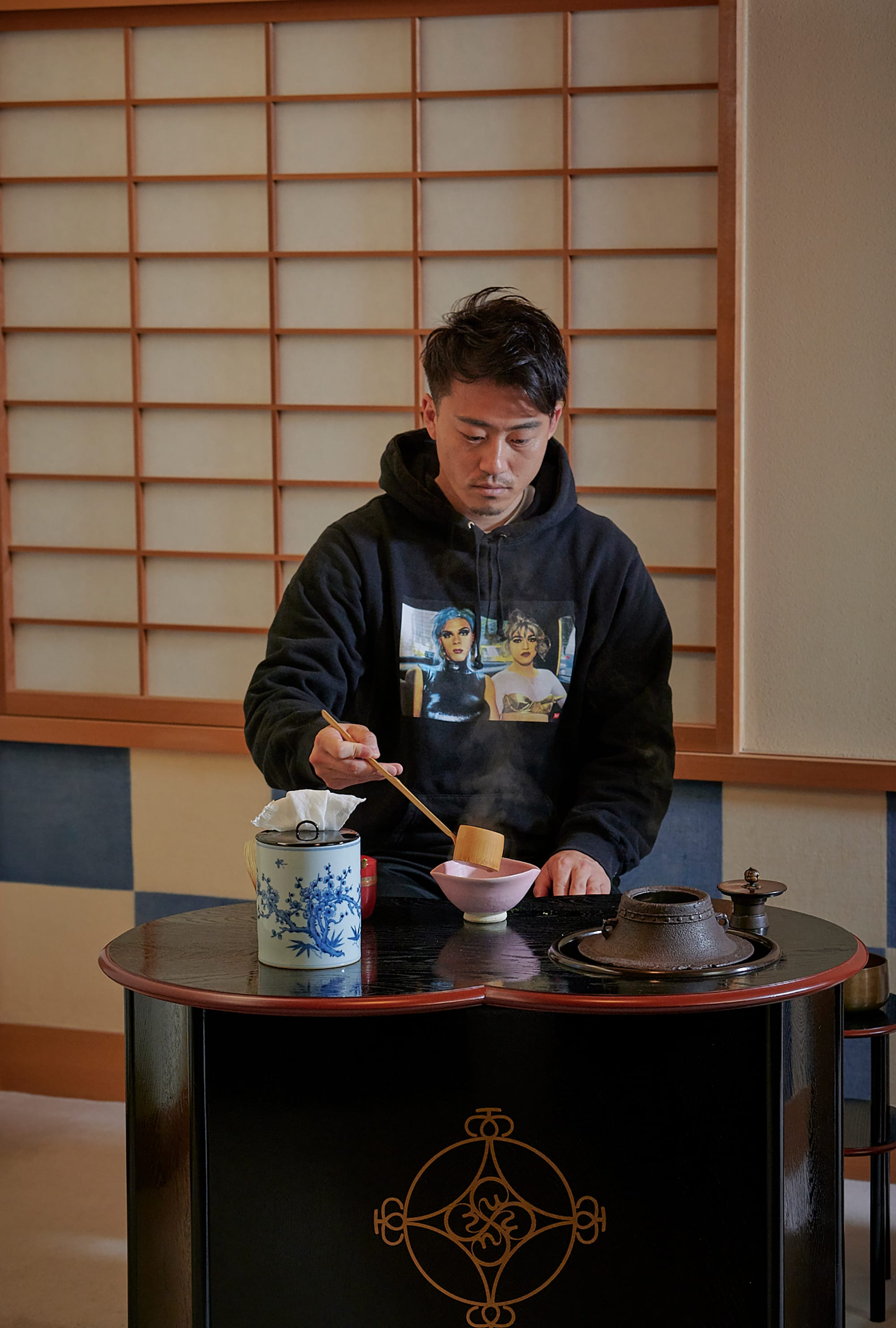 Each athlete made tea. It was the first time to make tea in ryureiseki for Maeda.